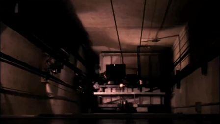 高楼电梯发生故障,超人这手刹是真的牛啊!