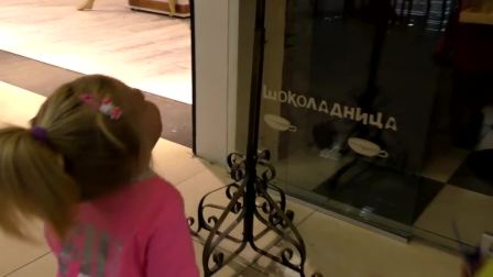 萌娃小可爱陪哥哥去买玩具,看看哥哥最后选了什么玩具呢
