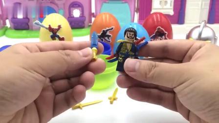 泰罗奥特曼玩蜘蛛侠玩具出奇蛋