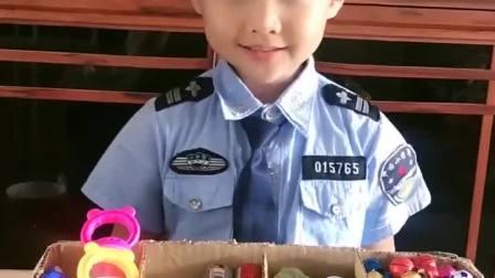 亲子游戏:小胤长大后想做警察