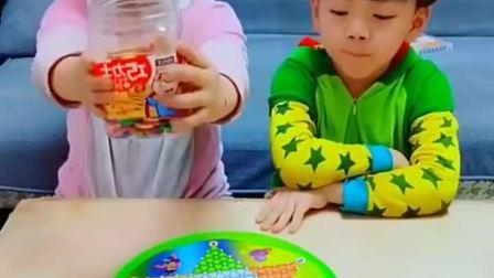 亲子游戏:糖果送给小朋友们
