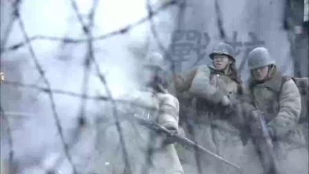 我的特一营:小伙独创打坦克办法,把手榴弹捆起来点火,直接炸穿坦克装甲
