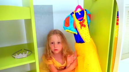 儿童亲子互动,爸爸假扮服装师,帮小萝莉挑选漂亮衣服