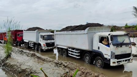彩色工程车自卸卡车玩具运输泥土