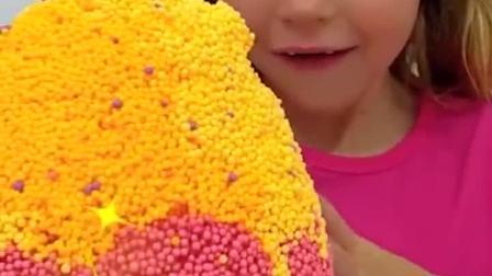 国外萌娃秀,萌娃的超级奇趣蛋好玩玩具