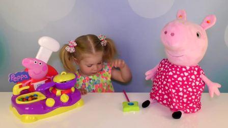 萌娃小可爱和妈妈做饭,又要出锅,小可爱好开心