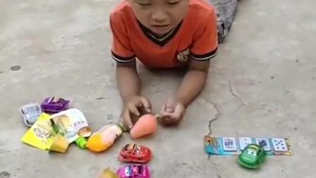 欢乐童年:弟弟怎么在哭呀?