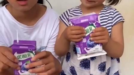 欢乐童年:宝宝不给姐姐喝奶