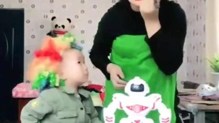 亲子互动:妈妈你的墨镜好酷啊?