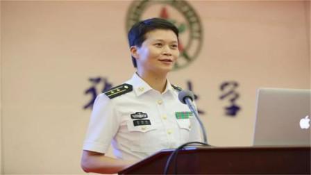 又一个中国奇迹!大山里走出的这中国女舰长,狠狠击碎美虚伪面具