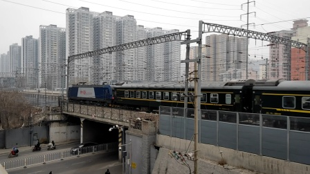 K892次(杭州-大同)太原站出发