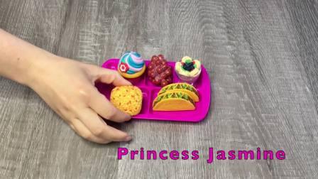 儿童亲子互动,女孩娃娃学校便当盒公主彩色午餐玩具!真的太棒了