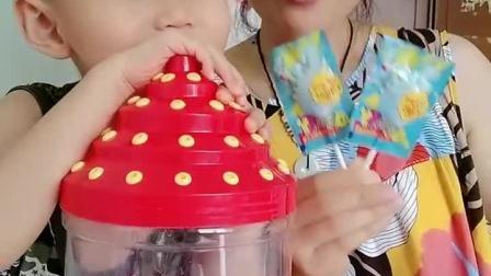 童年趣事:吃个棒棒糖喽