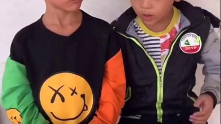 童年趣事-哥哥的跳跳糖和弟弟的果冻