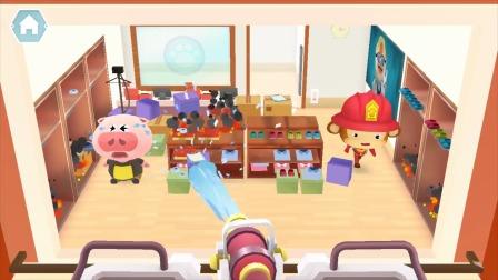 熊猫消防队:小猪被困住了,这可怎么办?