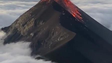 这就是火山爆发的声音,来自大自然的怒吼