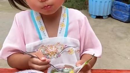 趣味童年:把我的果冻分给你吃