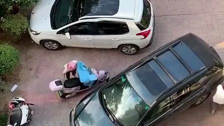 小区里乱停车,考虑过别人的感受吗?
