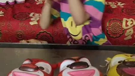 童年趣事:好多的面具啊