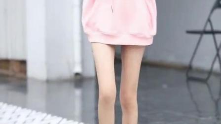 绝了,这是什么神仙大长腿!#街拍#穿搭
