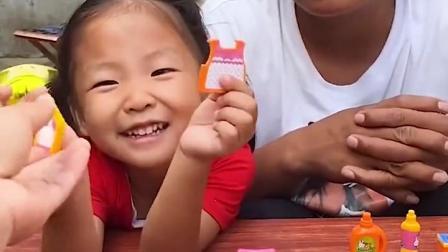 金色的童年:教小宝贝洗衣服