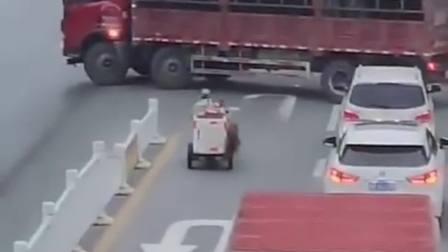 这是个高手,货车掉头,一把过
