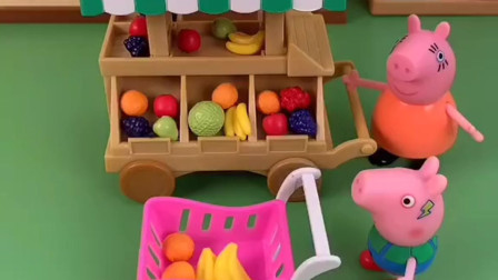 猪妈妈带着乔治去超市,没想到把乔治忘在超市了