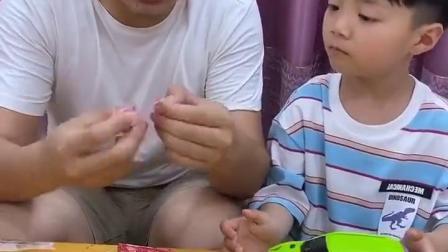 五彩童年:哥哥,说好给我糖,你怎么给我纸呢