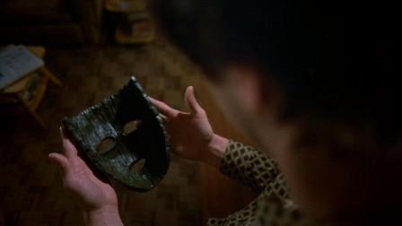 男子意外捡到神奇面具,戴上之后,身体竟出现了意想不到的变化!