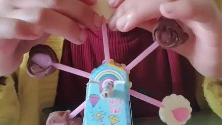 这是我自己做的风车糖,很好看,我要把它吃了