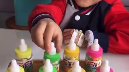 金色的童年:奶嘴糖看着就很好吃的样子