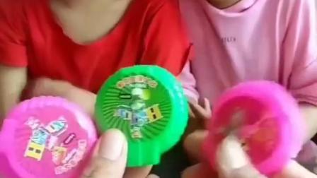 金色的童年:想不想吃泡泡糖啊!
