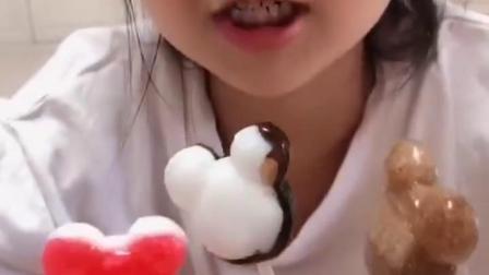 金色的童年:吃个棒棒糖吧!