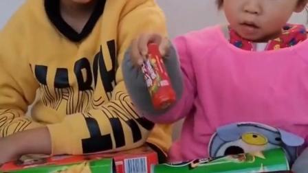 金色的童年:谁的棒棒糖多呢