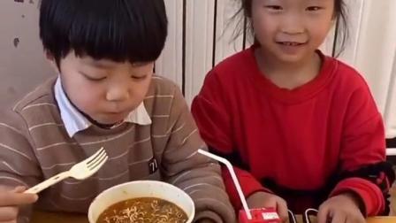 金色的童年:旺仔牛奶和泡面简直是绝配哦