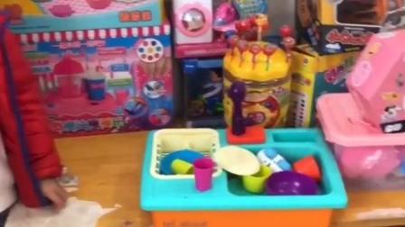 金色的童年:宝贝想玩玩具,该选那个呢