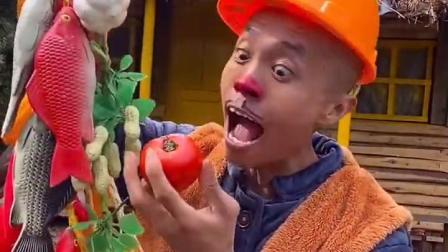 五彩童年:光头强吃西红柿