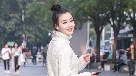 看到这么精致的小姐姐,高领的白色毛衣,保暖又非常时尚