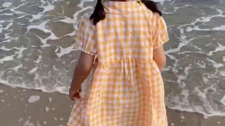 妹妹第一次看到大海有点晕