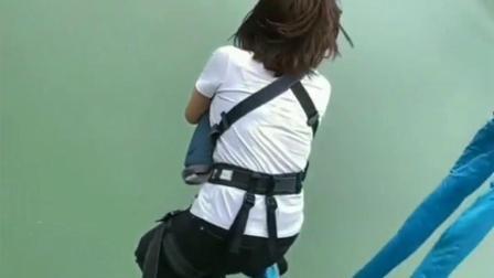 女孩跳的这么从容,一定被男人伤过。