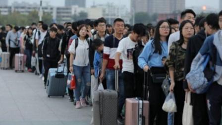 又掀起一股回国潮,美籍华人要求回国,挡都挡不住