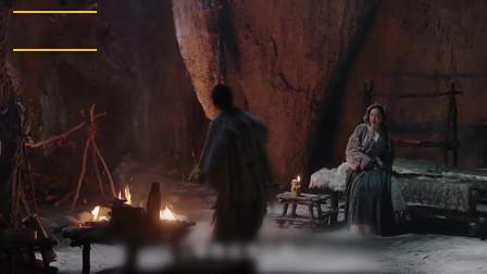 新倚天屠龙记:灭绝师太傲娇情愿坠楼,临终是说出周芷若身世,周芷若泪崩悔恨