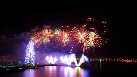 2021银达利在上海滴水湖第一场烟花秀