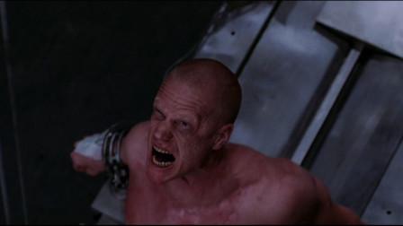科学家飞到火星,用犯人做实验,改造变异人,酿成大错《毁灭战士》