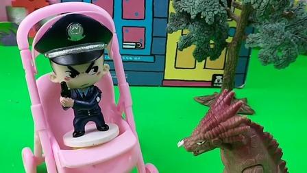 这个警察真是太聪明了