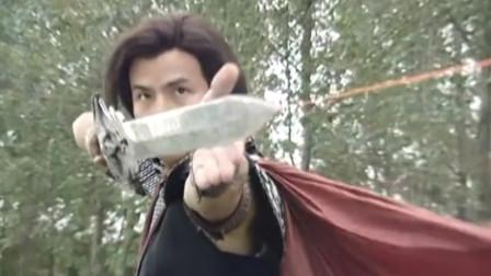 任千行练成一剑隔世神功,酒中仙的霸王拳完全挡不住,被一剑秒杀