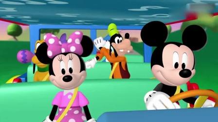 米奇妙妙屋:米妮在为米奇他们唱歌