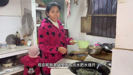 年味是什么?来看看真正农村家庭的晚餐就知道,大锅灶里尽是年味