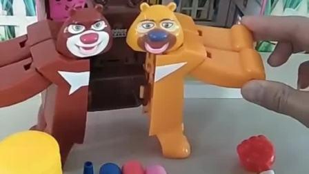 熊大熊二合体分不开了