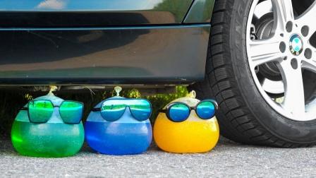 解压实验室:驾车粉碎松软的东西! 实验汽车vs气球!